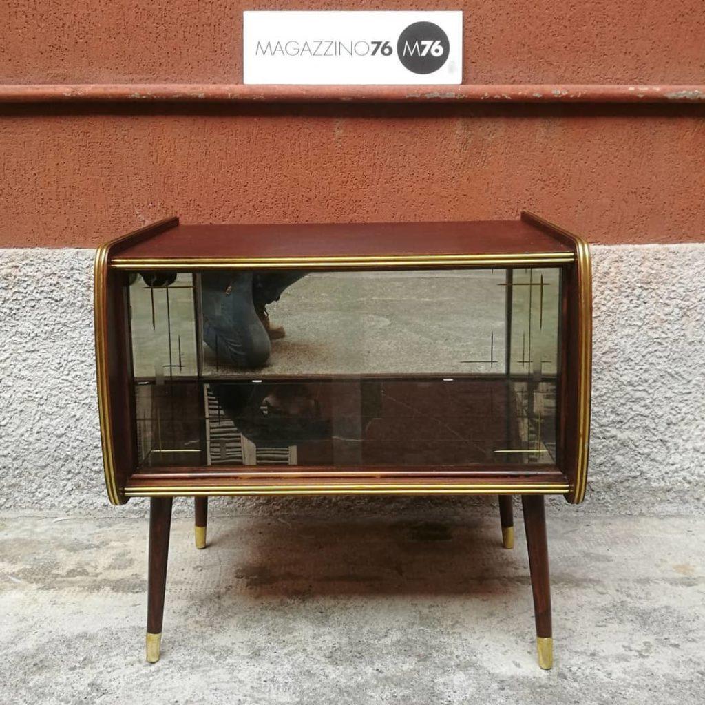 Mobile con ante scorrevoli — Magazzino76